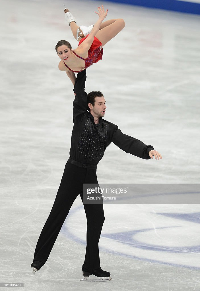 Marissa Castelli and Simon Shnapir of USA skate in the Pairs Free Skating during day three of the ISU Four Continents Figure Skating Championships at Osaka Municipal Central Gymnasium on February 10, 2013 in Osaka, Japan.