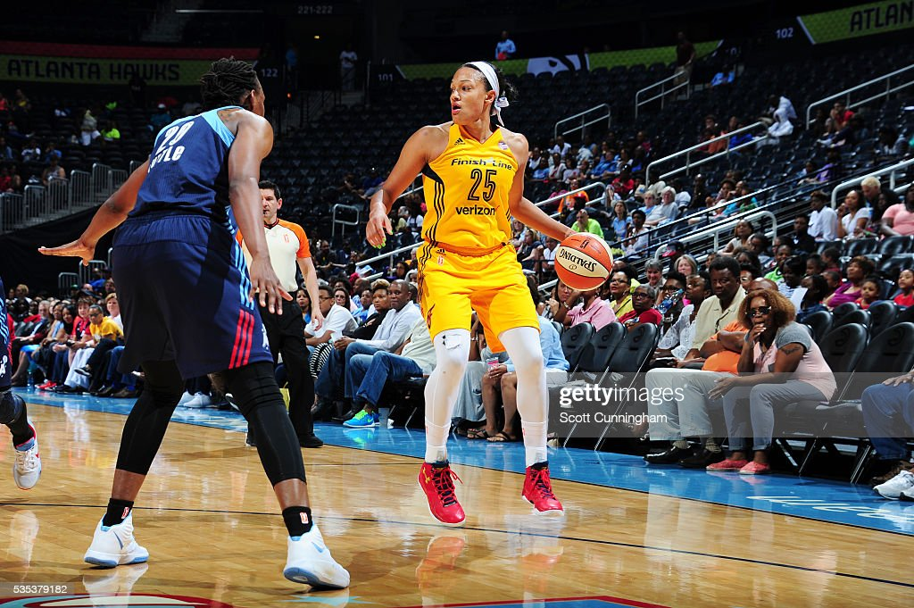 <a gi-track='captionPersonalityLinkClicked' href=/galleries/search?phrase=Marissa+Coleman&family=editorial&specificpeople=704307 ng-click='$event.stopPropagation()'>Marissa Coleman</a> #25 of the Indiana Fever handles the ball against the Atlanta Dream on May 29, 2016 at Philips Arena in Atlanta, Georgia.