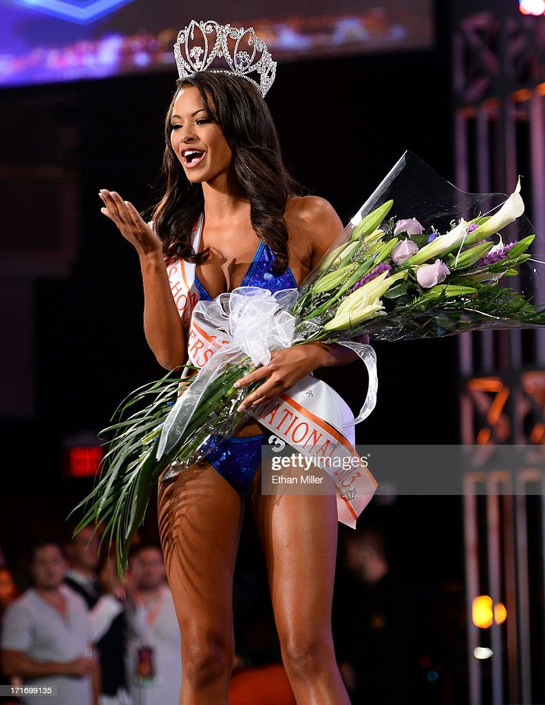 Marissa Raisor of Newport, Kentucky blows a kiss after being crowned Miss Hooters International 2013 at the 17th annual Hooters International Swimsuit Pageant at The Joint inside the Hard Rock Hotel & Casino on June 27, 2013 in Las Vegas, Nevada.