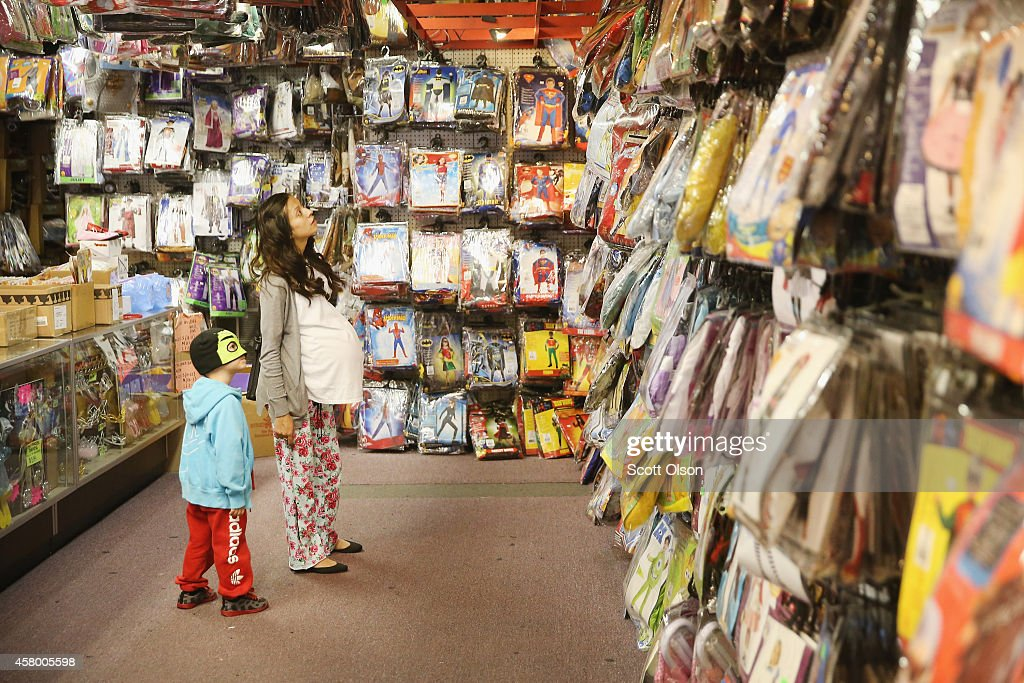 Halloween Costume Shop 65279features costumes at 3015 w barcelona st in tampa Maritza Campos Helps Her Son Yohel Shop For A Halloween Costume At Fantasy Costumes On October