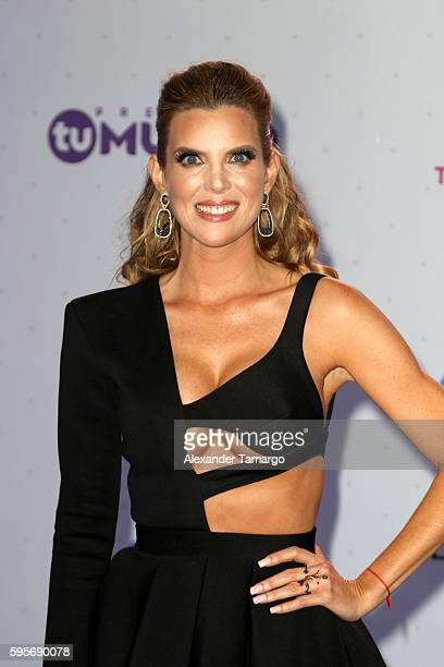 Maritza Rodriguez arrives at Telemundo's Premios Tu Mundo 'Your World' Awards at American Airlines Arena on August 25 2016 in Miami Florida
