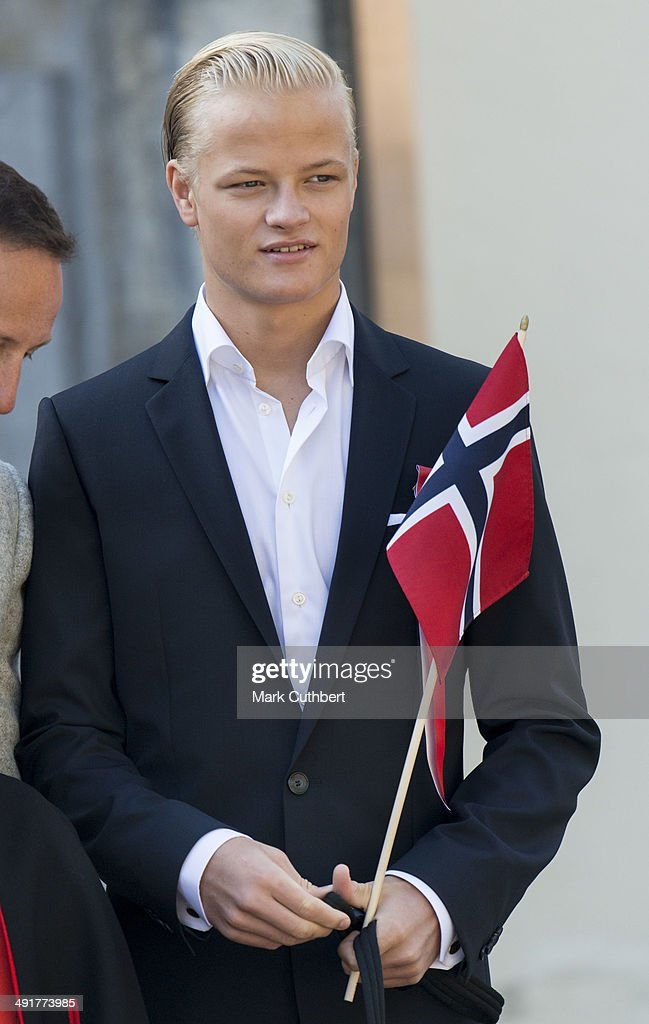 Ê Marius Hoiby greets the Childrens Parade on the Skaugum Estate on May 17, 2014 in Oslo, Norway.