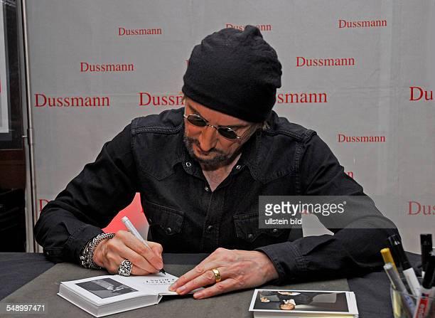 Marius Müller Westernhagen Signierstunde im Berliner Kulturkaufhaus Dussmann
