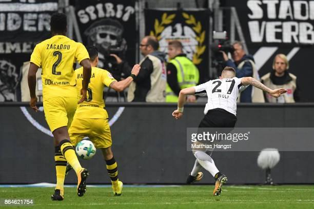Marius Wolf of Frankfurt shots to score a goal for Frankfurt to make it 22 during the Bundesliga match between Eintracht Frankfurt and Borussia...