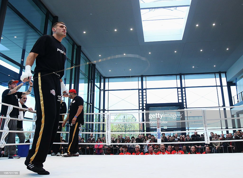 Mariusz Wach of Poland warms up during a public training session at Mercedes Benz car dealer on November 7 2012 in Hamburg Germany The WBA IBF WBO...