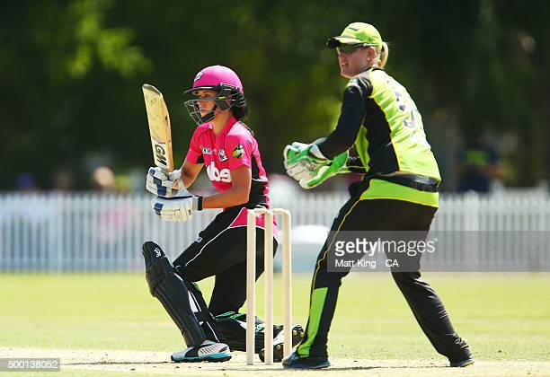 Marizanne Kapp of the Sixers bats during the Women's Big Bash League match between the Sydney Thunder and the Sydney Sixers at Howell Oval on...
