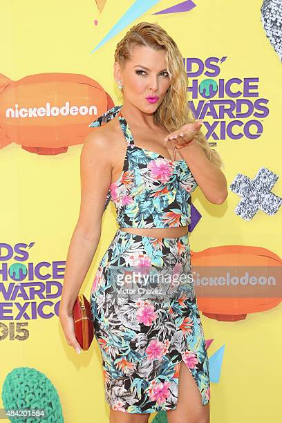 Marjorie de Sousa arrives at Nickelodeon Kids' Choice Awards Mexico 2015 Red Carpet at Auditorio Nacional on August 15 2015 in Mexico City Mexico
