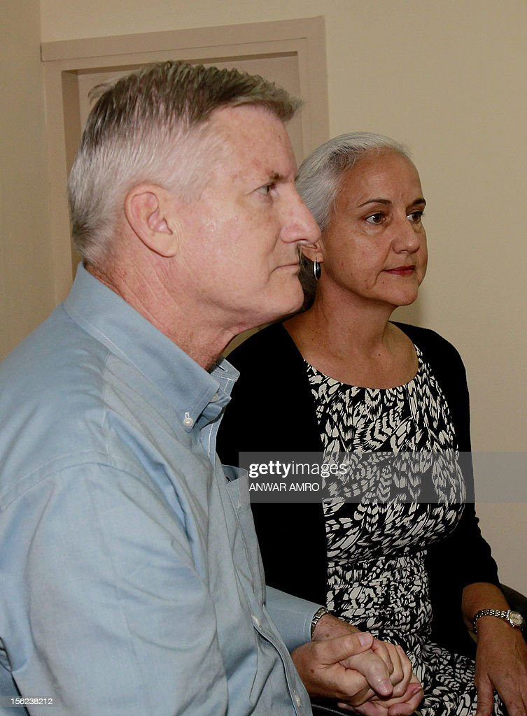 Mark (L) and Debra (R) Tice, the parents of Austin Tice, an American journalist who has been missing in Syria since August 2012, attend a press conference at the Press Club in Beirut on November 12, 2012. AFP PHOTO / ANWAR AMRO