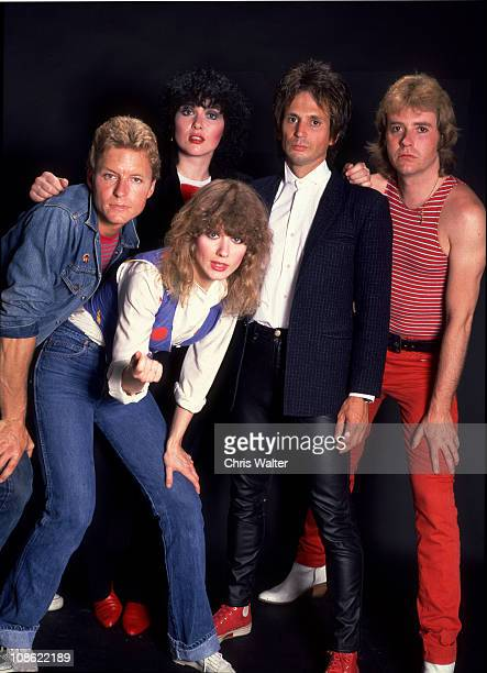 Mark Andes Ann Wilson Nancy Wilson Danny Carmassi Howard Leese
