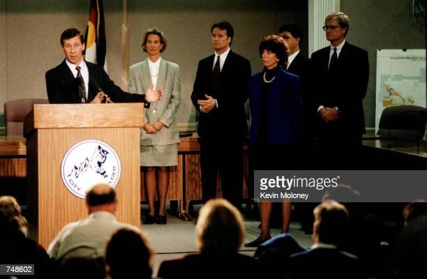 TABLOIDS*** Mark Breckner the new Jonbenet Ramsey murder case investigator holds a pressconference in Boulder Colorado 1997