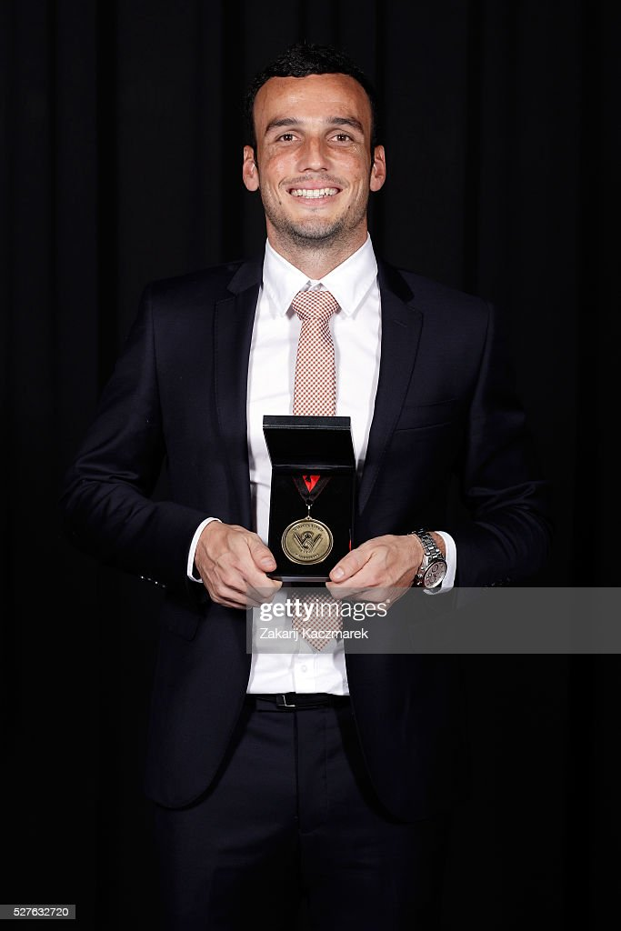 <a gi-track='captionPersonalityLinkClicked' href=/galleries/search?phrase=Mark+Bridge&family=editorial&specificpeople=1630520 ng-click='$event.stopPropagation()'>Mark Bridge</a> of the Western Sydney Wanderers Football Club poses with his Western Sydney Wanderers medal after winning A-League Player of the Year during the 2016 Western Sydney Wanderers Awards at Quodos Bank Arena on May 3, 2016 in Sydney, Australia.