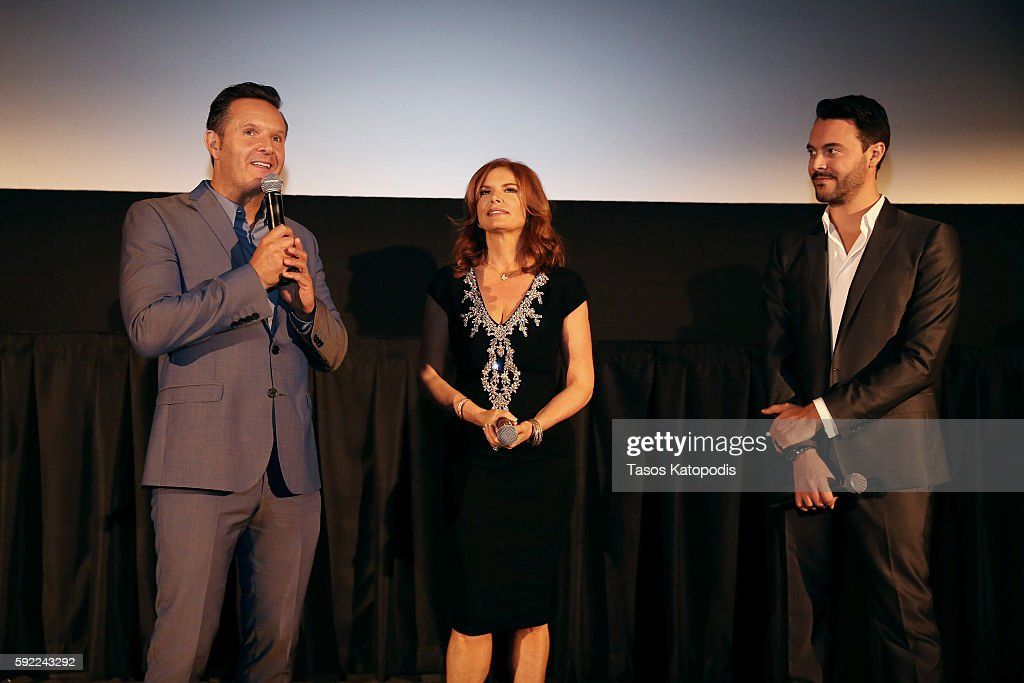 Mark Burnett Roma Downey and Jack Huston attend the Chicago Screening of the Paramount Pictures and MetroGoldwynMayer Pictures title 'BenHur' on...