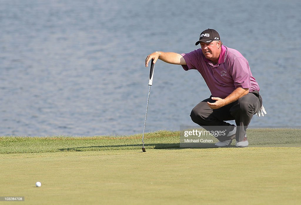 Mark Calcavecchia lines up his par putt on the 17th hole during the second round of the 3M Championship at TPC Twin Cities held on August 7, 2010 in Blaine, Minnesota.