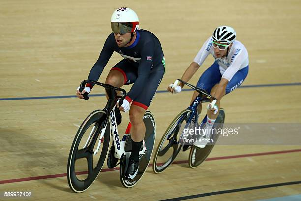 Mark Cavendish of Great Britain ahead of Elia Viviani of Italy during the Cycling Track Men's Omnium Points Race 66 on Day 10 of the Rio 2016 Olympic...