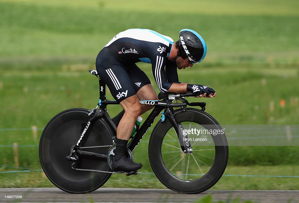 Mark Cavendish of Great Britain and SKY Procycling in action during stage nine of the 2012 Tour de France a 415km individual time trial from...