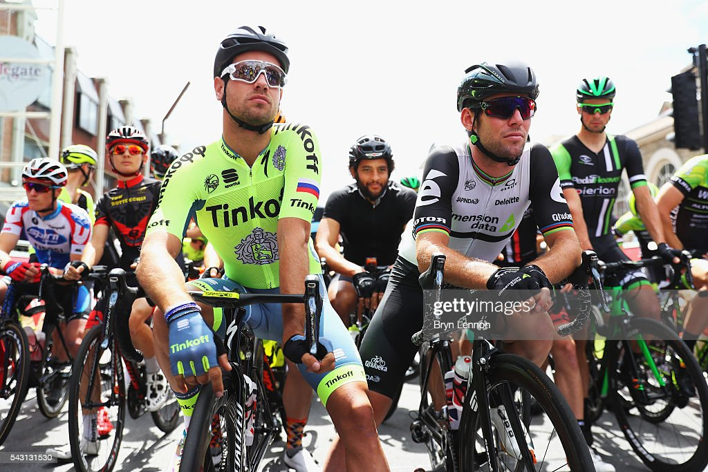 Mark Cavendish (r) of Great Britain and Team Dimension Data chats to <a gi-track='captionPersonalityLinkClicked' href=/galleries/search?phrase=Adam+Blythe&family=editorial&specificpeople=7227563 ng-click='$event.stopPropagation()'>Adam Blythe</a> of Great Britain and Tinkoff at the start of the Elite Men's 2016 National Road Championships on June 26, 2016 in Stockton-on-Tees, England.