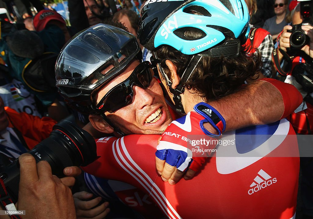 <a gi-track='captionPersonalityLinkClicked' href=/galleries/search?phrase=Mark+Cavendish&family=editorial&specificpeople=684957 ng-click='$event.stopPropagation()'>Mark Cavendish</a> of Great Britain is congratulated by team mate <a gi-track='captionPersonalityLinkClicked' href=/galleries/search?phrase=Geraint+Thomas&family=editorial&specificpeople=804304 ng-click='$event.stopPropagation()'>Geraint Thomas</a> after winning the Men's Eilte Road Race at the UCI Road World Championships on September 25, 2011 in Copenhagen, Denmark.