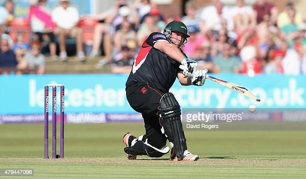 Mark Cosgrove of Leicestershire Foxes pulls the ball during the Natwest T20 Blast match between Leicestershire Foxes and Birmingham Bears at Grace...