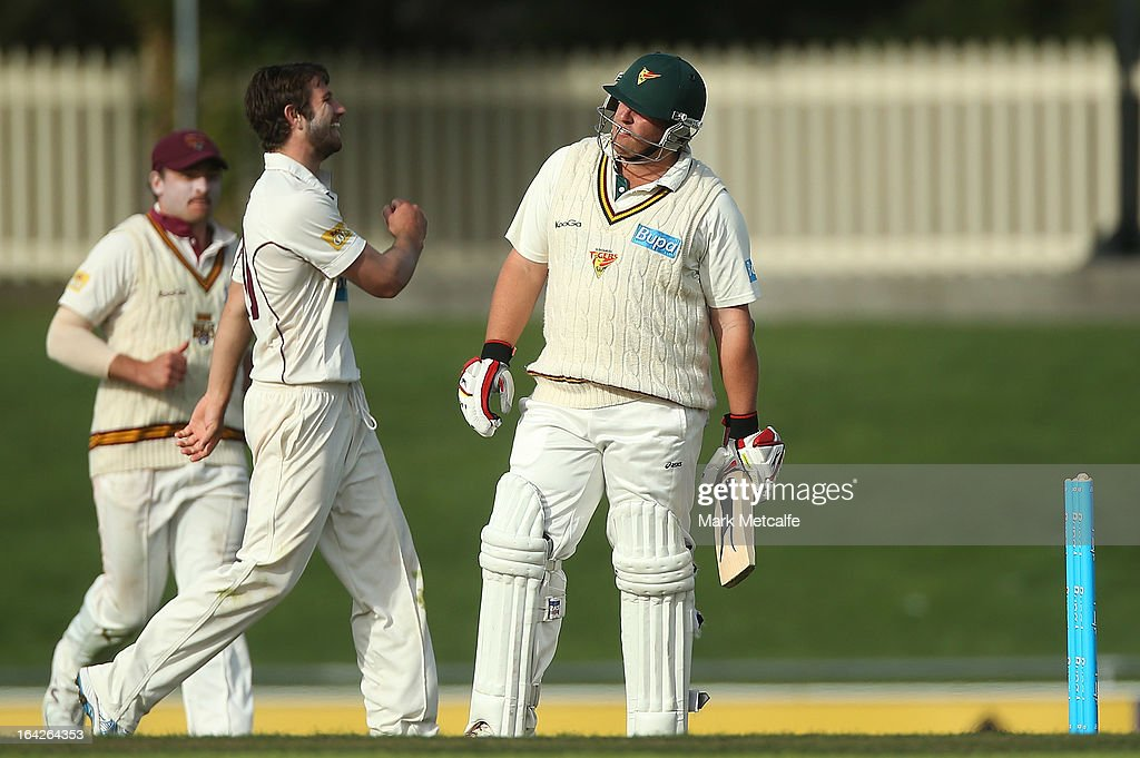 <a gi-track='captionPersonalityLinkClicked' href=/galleries/search?phrase=Mark+Cosgrove&family=editorial&specificpeople=227329 ng-click='$event.stopPropagation()'>Mark Cosgrove</a> of the Tigers looks dejected after being bowled by Michael Neser of the Bulls during day one of the Sheffield Shield final between the Tasmania Tigers and the Queensland Bulls at Blundstone Arena on March 22, 2013 in Hobart, Australia.