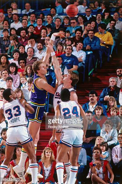 Mark Eaton of the Utah Jazz shoots against the Sacramento Kings circa 1987 at Arco Arena in Sacramento California NOTE TO USER User expressly...