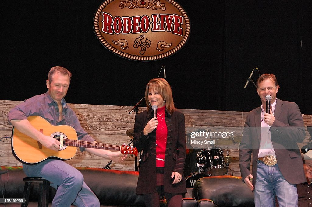 Mark Eaton, Susie McEntire and Flint Rasmussen perform at Las Vegas Convention Center on December 10, 2012 in Las Vegas, Nevada.