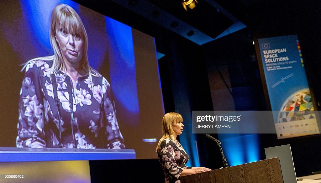 Mark Elzbieta Bienkowska, Commissioner in charge of the Internal Market, speaks during the opening of the European Space Solutions Conference, on May 30, 2016, in The Hague. / AFP / ANP / Jerry Lampen / Netherlands OUT