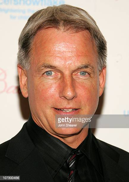 Mark Harmon during UNICEF Snowflake Ball and Crystal Snowflake Lighting and Chandelier Display Presented by Baccarat Arrivals Nov 30 2005 at Regent...