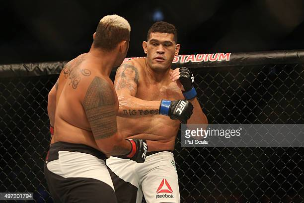 Mark Hunt of New Zealand competes against Antonio 'Bigfoot' Silva of Brazil in their heavyweight bout during the UFC 193 event at Etihad Stadium on...