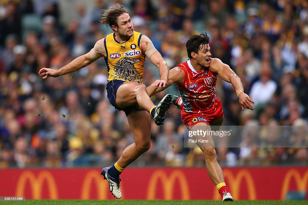 Mark Hutchings of the Eagles kicks on goal during the round 10 AFL match between the West Coast Eagles and the Gold Coast Suns at Domain Stadium on May 29, 2016 in Perth, Australia.