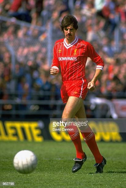 Mark Lawrenson of Liverpool Mandatory Credit David Cannon /Allsport