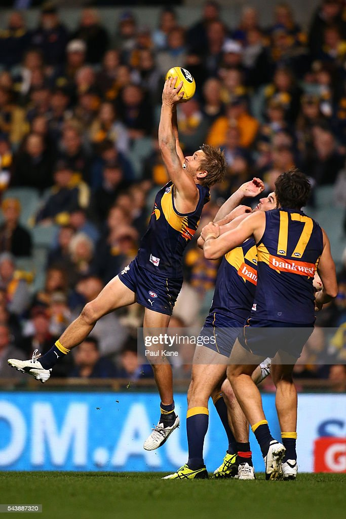 <a gi-track='captionPersonalityLinkClicked' href=/galleries/search?phrase=Mark+LeCras&family=editorial&specificpeople=747453 ng-click='$event.stopPropagation()'>Mark LeCras</a> of the Eagles marks the ball during the round 15 AFL match between the West Coast Eagles and the Essendon Bombers at Domain Stadium on June 30, 2016 in Perth, Australia.