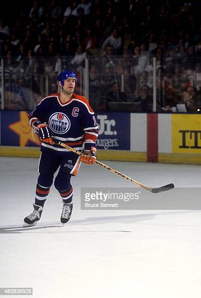 Mark Messier of the Edmonton Oilers skates on the ice during an NHL game against the Los Angeles Kings circa 1989 at the Great Western Forum in...