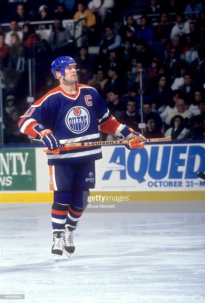 Mark Messier #11 of the Edmonton Oilers skates on the ice during an NHL game against the New York Islanders on January 17, 1991 at the Nassau Coliseum in Uniondale, New York.