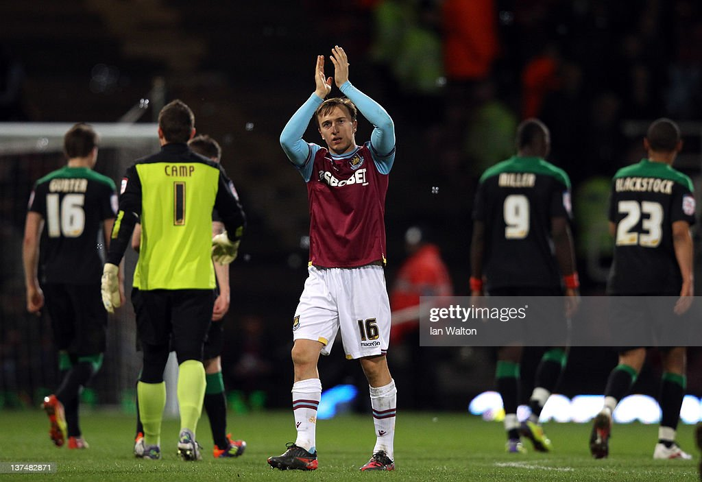 <a gi-track='captionPersonalityLinkClicked' href=/galleries/search?phrase=Mark+Noble&family=editorial&specificpeople=844055 ng-click='$event.stopPropagation()'>Mark Noble</a> of West Ham celebrates after the npower Championship match between West Ham United and Nottingham Forest at Boleyn Ground on January 21, 2012 in London, England.