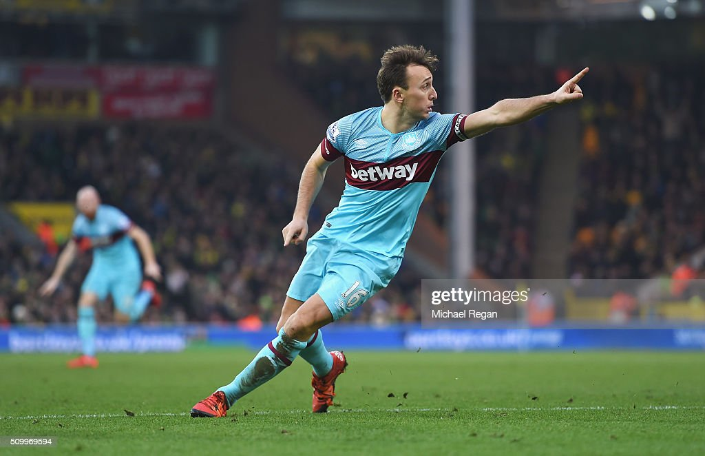 <a gi-track='captionPersonalityLinkClicked' href=/galleries/search?phrase=Mark+Noble&family=editorial&specificpeople=844055 ng-click='$event.stopPropagation()'>Mark Noble</a> of West Ham United celebrates scoring his team's second goal during the Barclays Premier League match between Norwich City and West Ham United at Carrow Road on February 13, 2016 in Norwich, England.