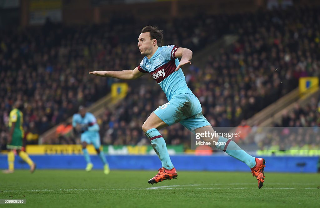 Mark Noble of West Ham United celebrates scoring his team's second goal during the Barclays Premier League match between Norwich City and West Ham United at Carrow Road on February 13, 2016 in Norwich, England.