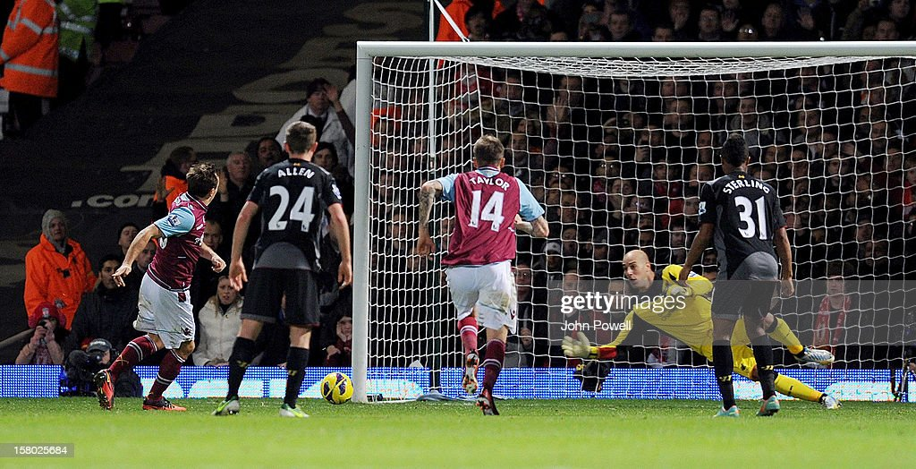Mark Noble of West Ham United scores a penalty during the Barclays Premier League match between West Ham United and Liverpool at Boleyn Ground on December 9, 2012 in London, England.
