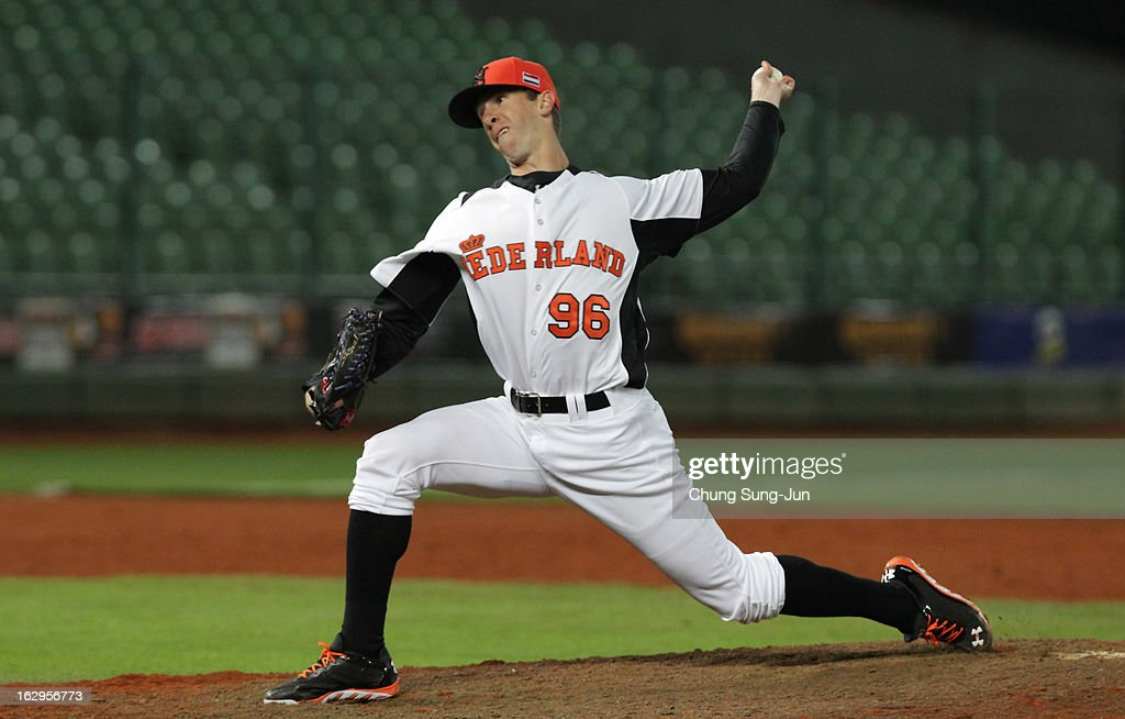 Mark Pawelek of Netherlands pitchs top in the ninth inning during the World Baseball Classic First Round Group B match between South Korea and the Netherlands at Intercontinental Baseball Stadium on March 2, 2013 in Taichung, Taiwan.