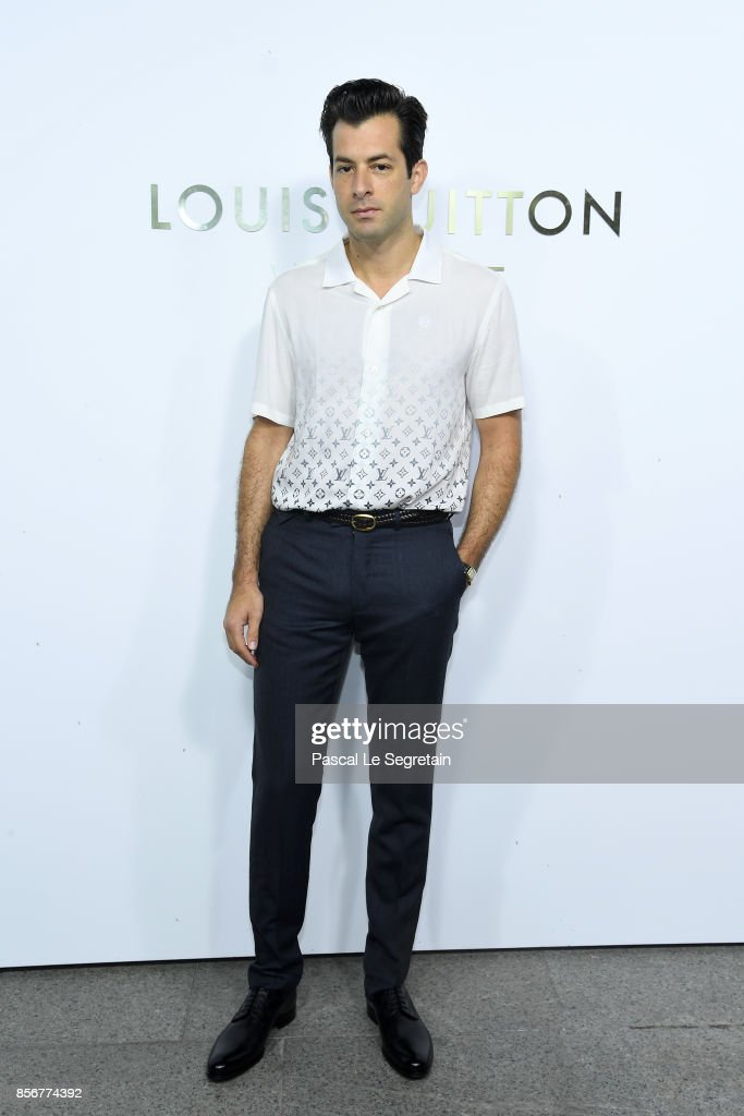 mark-ronson-attends-the-opening-of-the-louis-vuitton-boutique-as-part-picture-id856774392