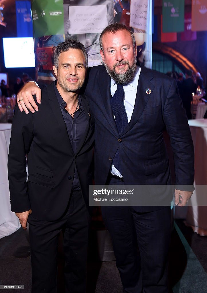 Mark Ruffalo (L) and CEO of Vice Media, Shane Smith attend 2016 Global Goals Awards Dinner at Gustavino's on September 20, 2016 in New York City.