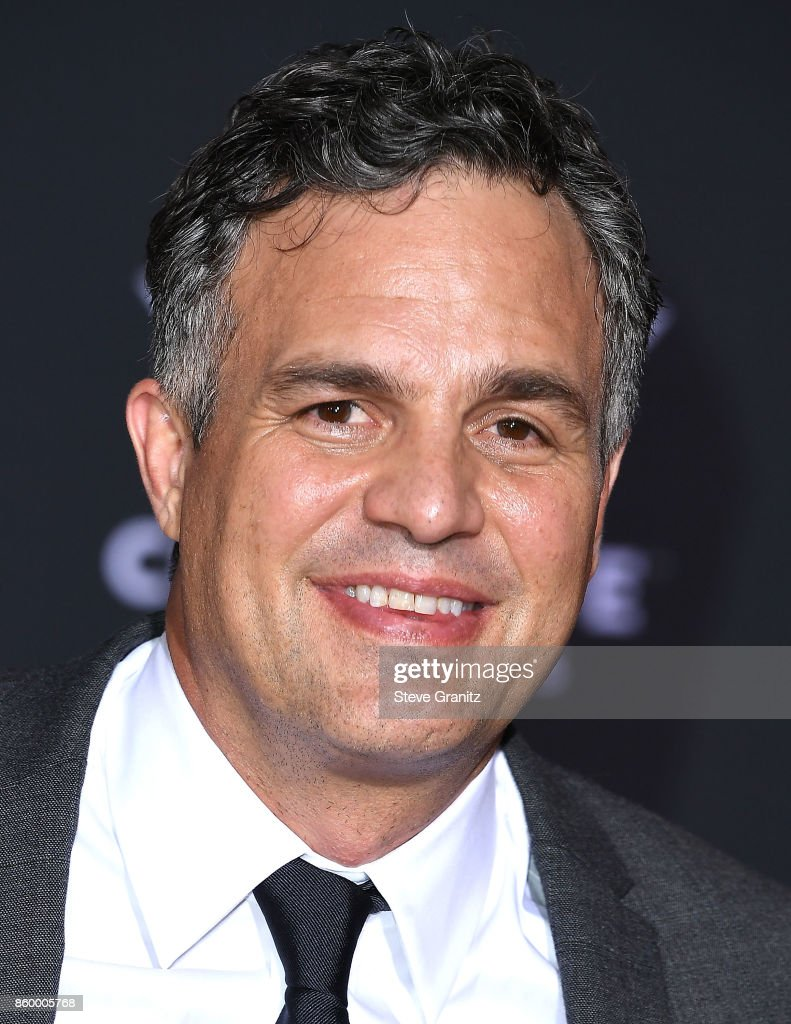 Mark Ruffalo arrives at the Premiere Of Disney And Marvel's 'Thor: Ragnarok' on October 10, 2017 in Los Angeles, California.