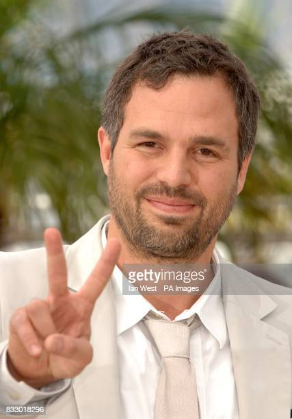 Mark Ruffalo poses for photographers during a photocall for Zodiac Picture date Thursday 17 May 2007 Photo credit should read Ian West/PA Wire
