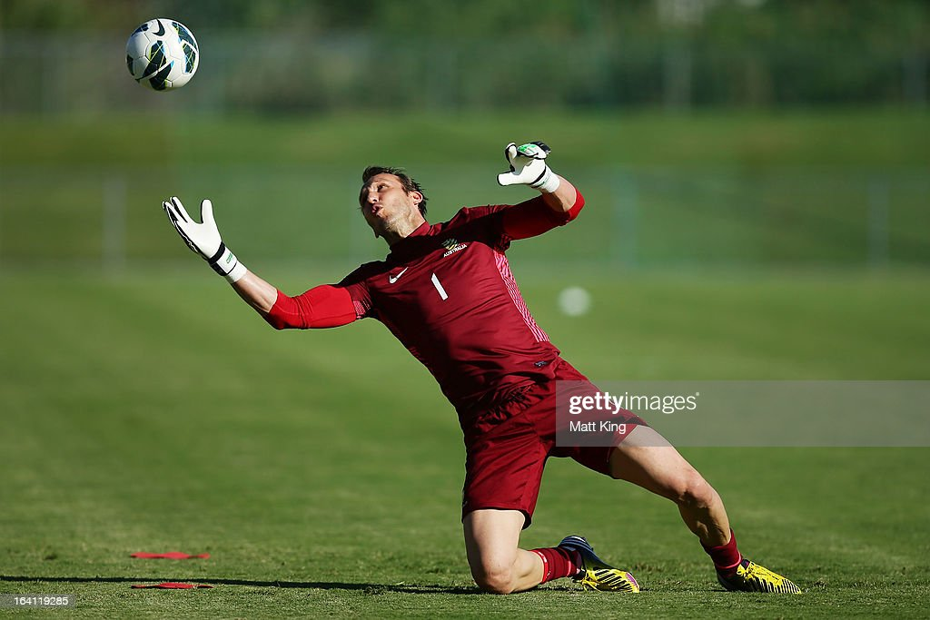 <a gi-track='captionPersonalityLinkClicked' href=/galleries/search?phrase=Mark+Schwarzer&family=editorial&specificpeople=208085 ng-click='$event.stopPropagation()'>Mark Schwarzer</a> practises goalkeeping during an Australian Socceroos training session at Macquarie Uni on March 20, 2013 in Sydney, Australia.