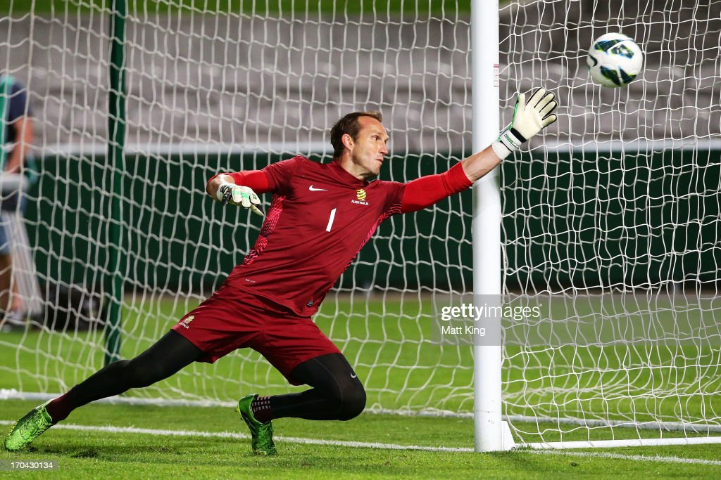 <a gi-track='captionPersonalityLinkClicked' href=/galleries/search?phrase=Mark+Schwarzer&family=editorial&specificpeople=208085 ng-click='$event.stopPropagation()'>Mark Schwarzer</a> practises goalkeeping during an Australian Socceroos training session at WIN Jubilee Stadium on June 13, 2013 in Sydney, Australia.