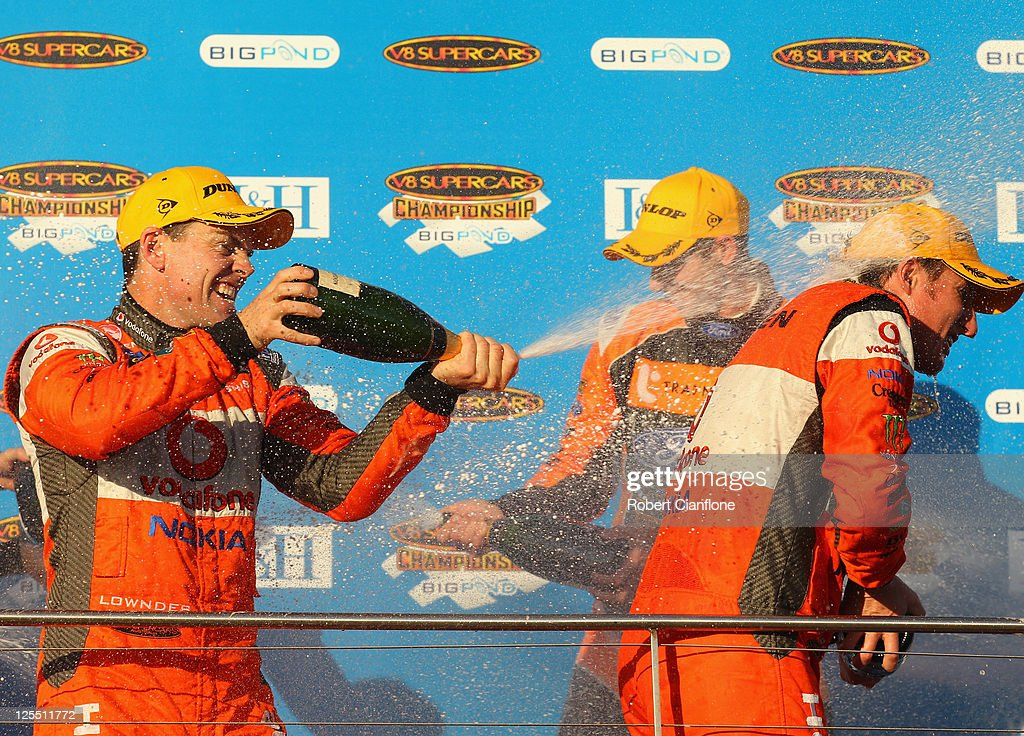 V8 Supercars Round 9 - Race