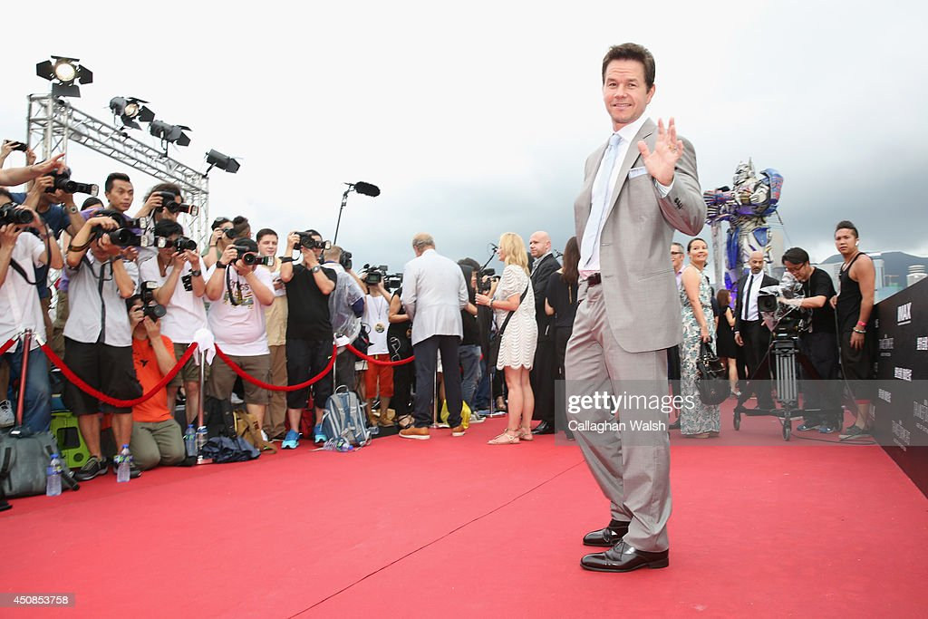 <a gi-track='captionPersonalityLinkClicked' href=/galleries/search?phrase=Mark+Wahlberg&family=editorial&specificpeople=202265 ng-click='$event.stopPropagation()'>Mark Wahlberg</a> arrives at the worldwide premiere screening of 'Transformers: Age of Extinction'at the on June 19, 2014 in Hong Kong, Hong Kong.