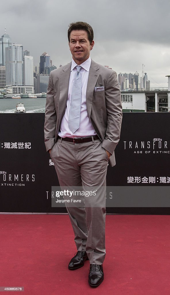 <a gi-track='captionPersonalityLinkClicked' href=/galleries/search?phrase=Mark+Wahlberg&family=editorial&specificpeople=202265 ng-click='$event.stopPropagation()'>Mark Wahlberg</a> arrives at the worldwide premiere screening of 'Transformers: Age of Extinction' at the on June 19, 2014 in Hong Kong, Hong Kong.