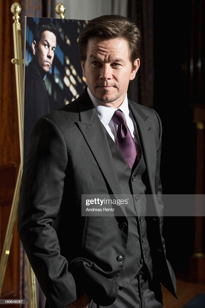 <a gi-track='captionPersonalityLinkClicked' href=/galleries/search?phrase=Mark+Wahlberg&family=editorial&specificpeople=202265 ng-click='$event.stopPropagation()'>Mark Wahlberg</a> attends a photocall for 'Broken City' at Hotel Ritz Carlton on February 4, 2013 in Berlin, Germany.