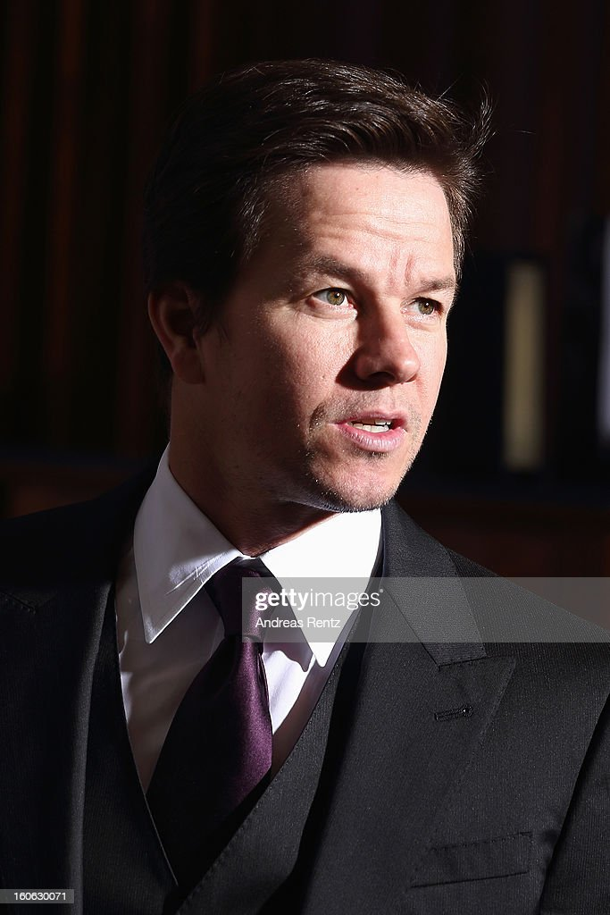 <a gi-track='captionPersonalityLinkClicked' href=/galleries/search?phrase=Mark+Wahlberg&family=editorial&specificpeople=202265 ng-click='$event.stopPropagation()'>Mark Wahlberg</a> attends a photocall to promote the film 'Broken City' at Ritz Carlton Hotel on February 4, 2013 in Berlin, Germany.