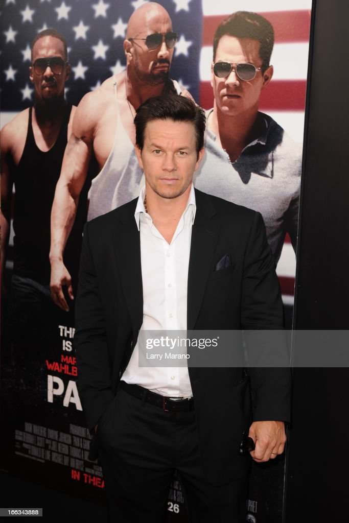<a gi-track='captionPersonalityLinkClicked' href=/galleries/search?phrase=Mark+Wahlberg&family=editorial&specificpeople=202265 ng-click='$event.stopPropagation()'>Mark Wahlberg</a> attends the 'Pain & Gain' premiere on April 11, 2013 in Miami Beach, Florida.